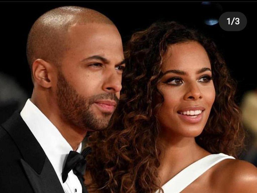 Ngeluh Kelamaan Karantina, Penyanyi Ini Sebut Istrinya Hamil Lagi