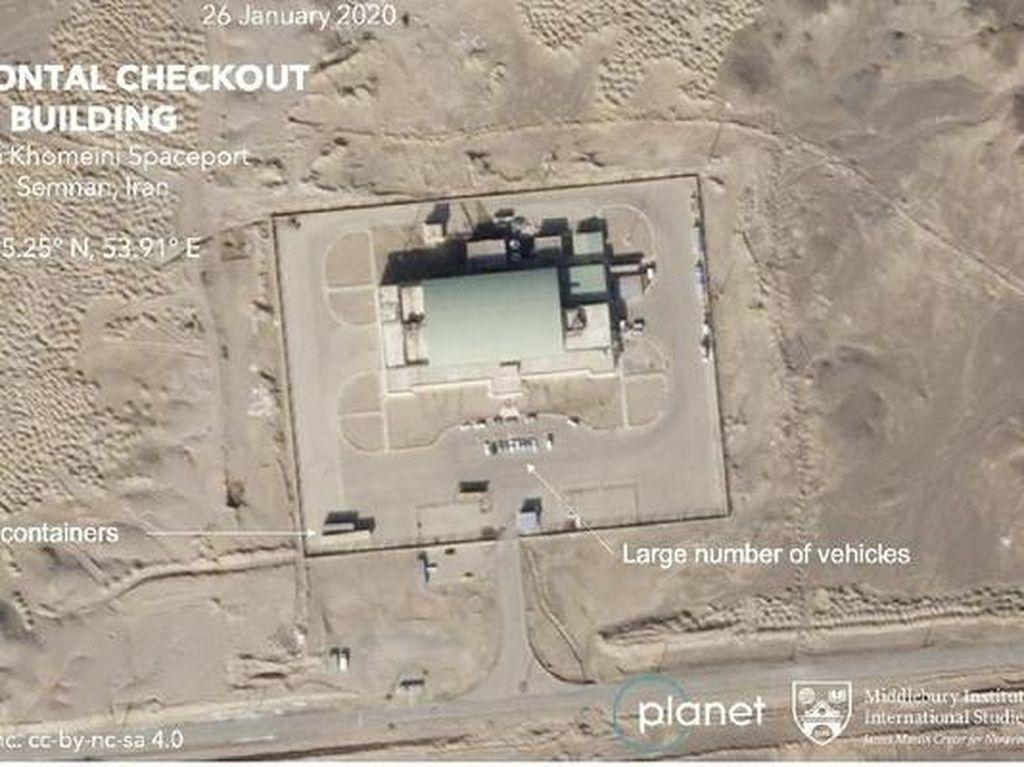 Di Saat Pandemi Corona, Iran Berhasil Luncurkan Satelit Militer Pertama