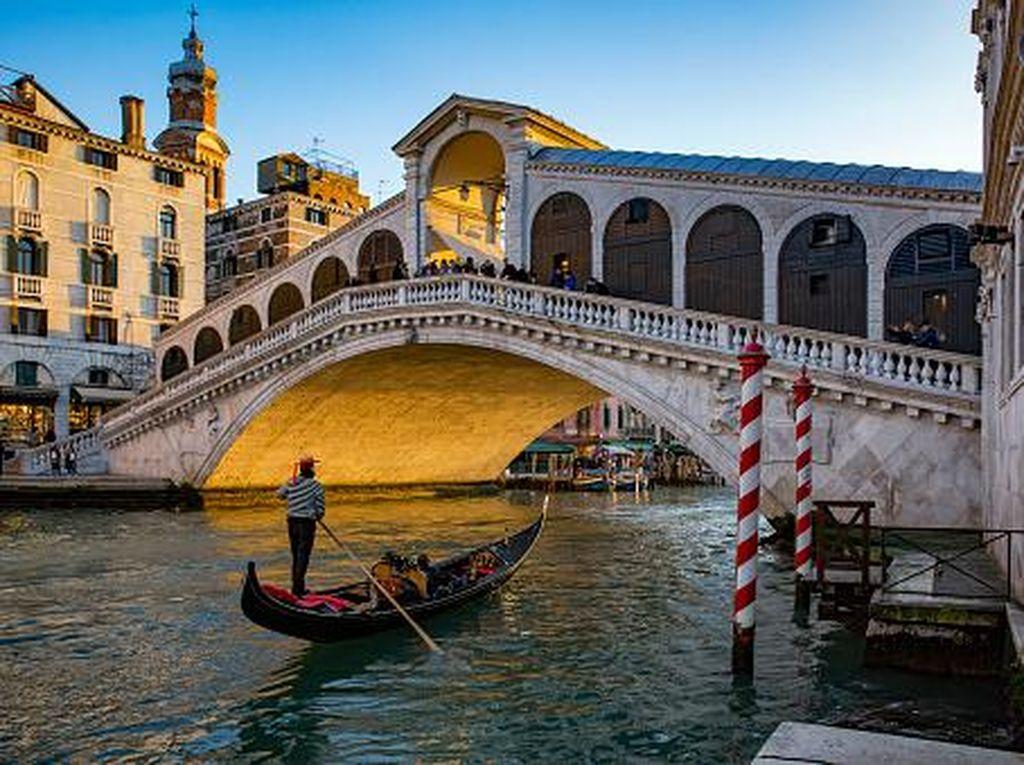 Fenomena Turis Gemuk di Venesia, Gondola Kurangi Jumlah Penumpang