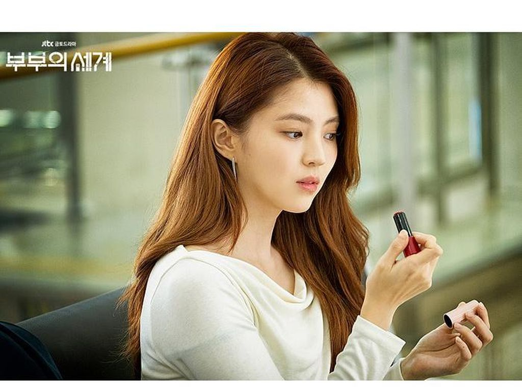 Lip Balm Cherry di Drakor The World of The Married Viral, Ini Faktanya