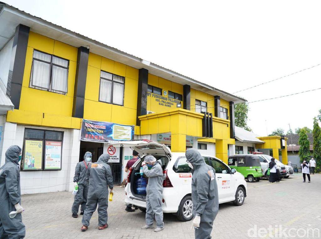 Cegah Penyebaran Corona, Relawan Mahasiswa di Gowa Sterilisasi 139 Tempat
