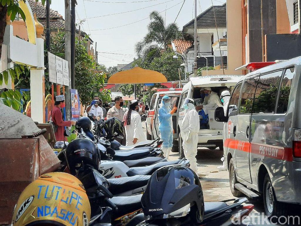 Tinggal Sebulan Lebih di Masjid Sleman, 15 WN India Jalani Rapid Test