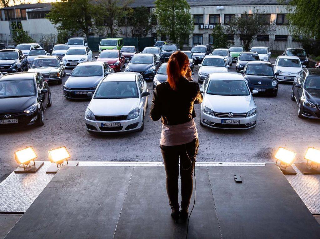 Indonesia Bakal Punya Drive-In Konser, Nonton dari Mobil