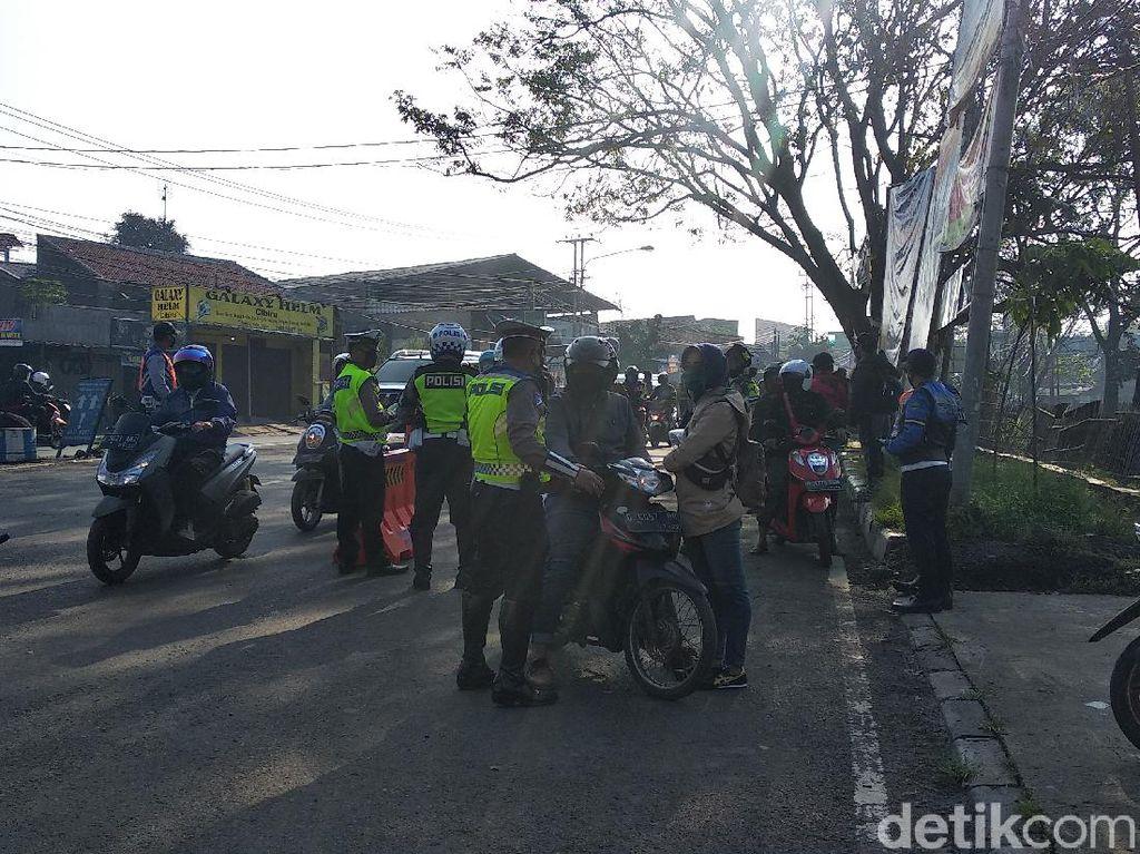 Polisi Catat 18.564 Pelanggaran di Hari Ketiga PSBB Kota Bandung