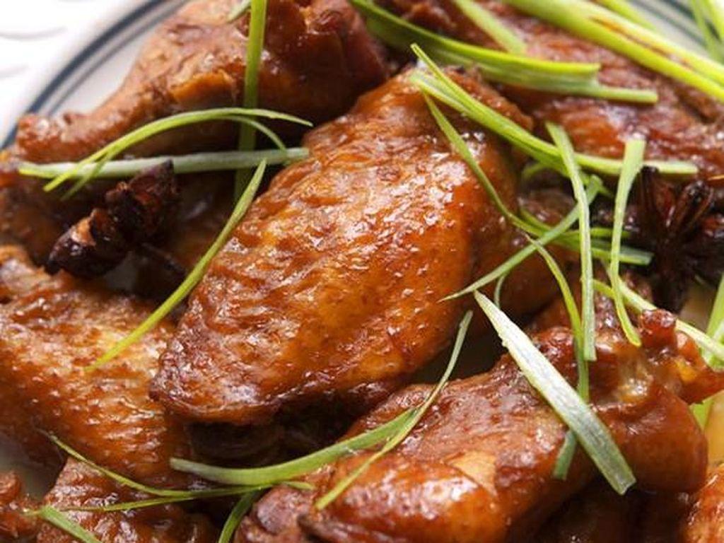 Menu Harian Ramadhan ke-1 : Sahur Ayam Kecap yang Sedap, Tambah Semangat Puasa