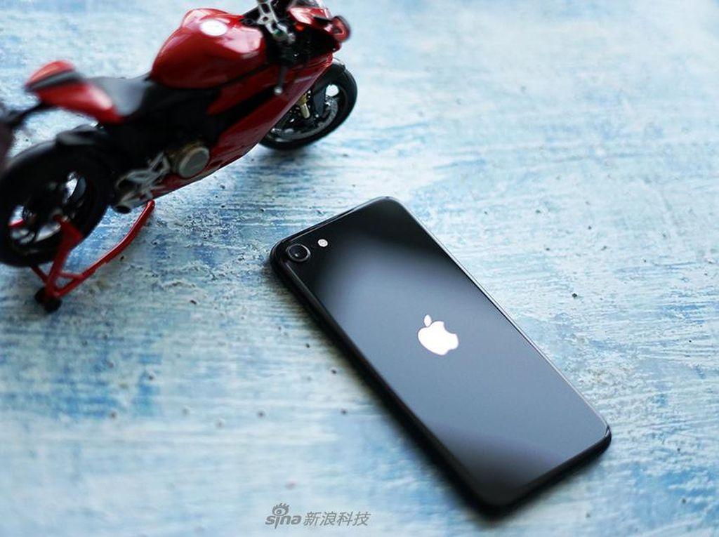 Dear Apple Fanboy, Ribuan Aplikasi iOS Dihantui Kode Berbahaya!