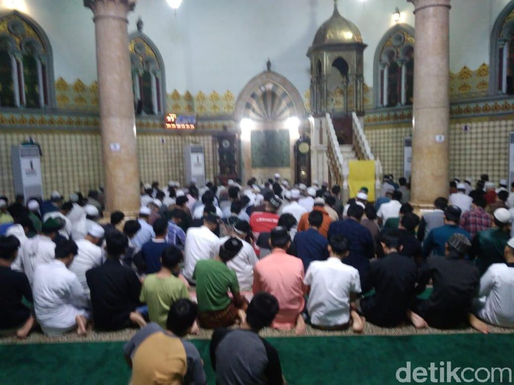 Tarawih di Masjid Raya Medan, Jemaah Wajib Masuk Bilik Disinfektan Dulu