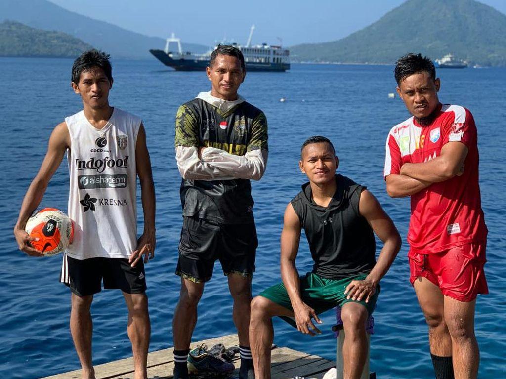 Pulang ke Ternate, Abduh Lestaluhu Berlatih Bersama Keluarga