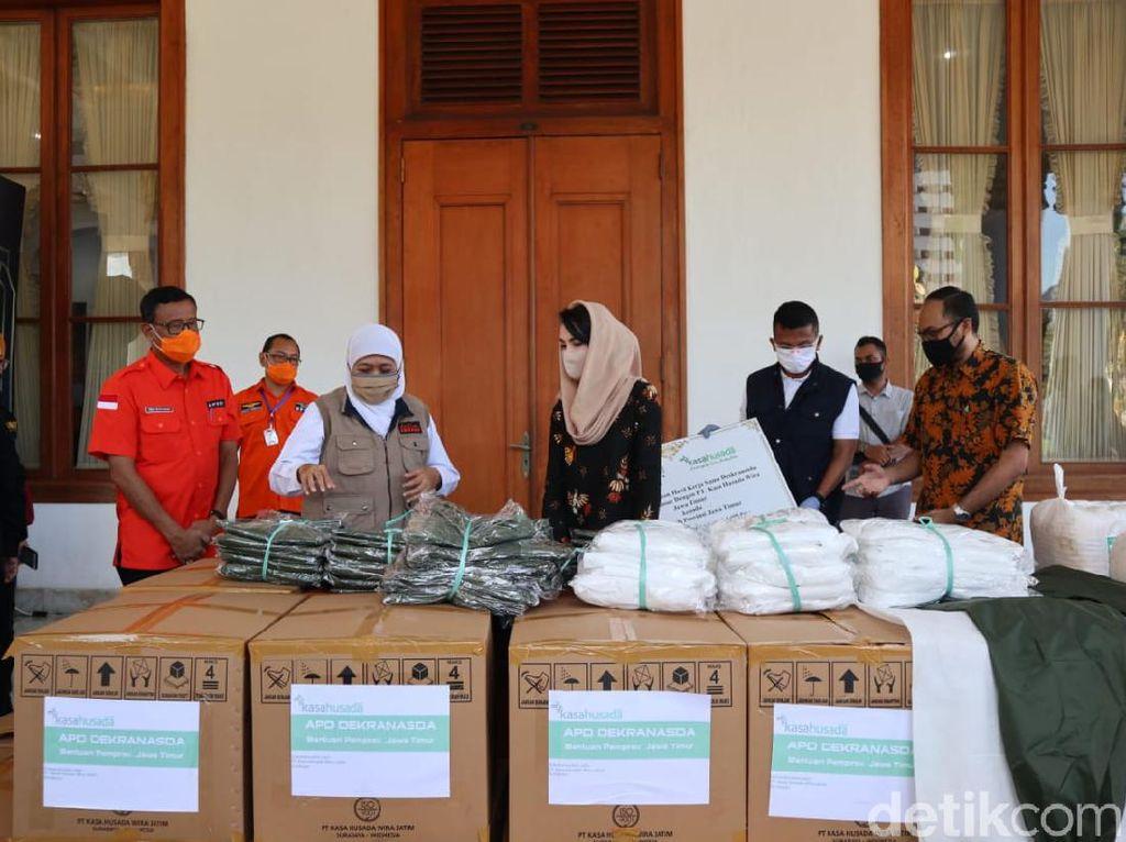 Dekranasda Jatim Sumbang 1.695 Hazmat untuk Pemprov