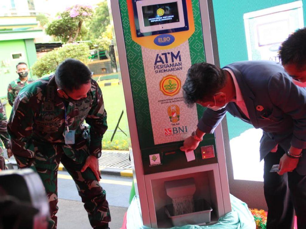 Mau Dapat Beras Gratis? Datang ke 10 ATM Ini Saja!