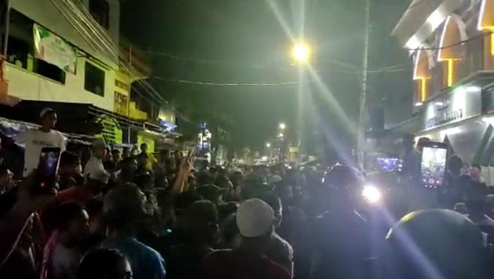 Viral Tarawih di Masjid Nuruh Huda Barukang, Camat Minta Warga Ibadah di Rumah