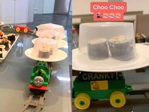 Gabut di Rumah, Mahasiswa Ini Bikin Kereta Sushi dari LEGO!