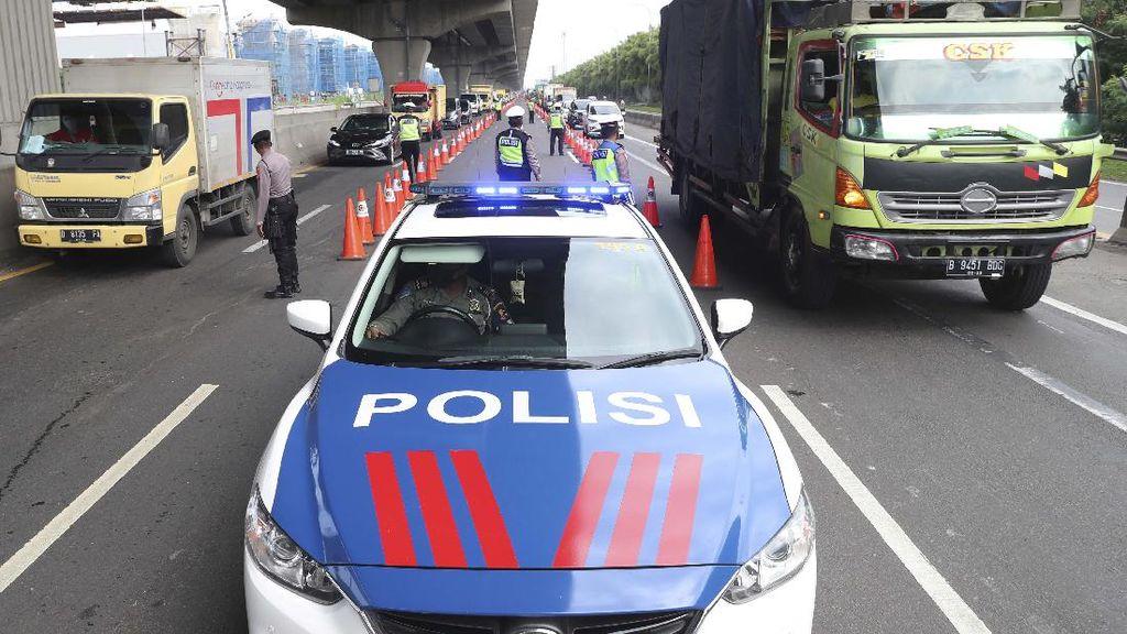 Cegah Pemudik, Polisi Razia di Tol Cikampek