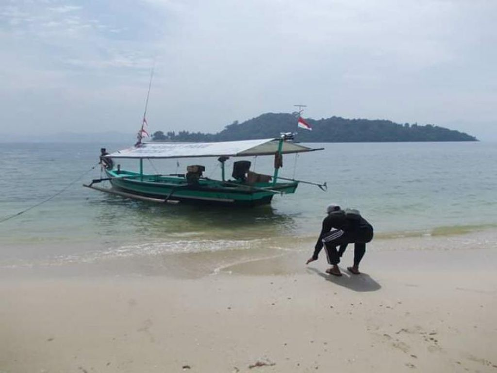Kenalkan Ini Pantai Mutun, Si Cantik dari Pesisir Lampung