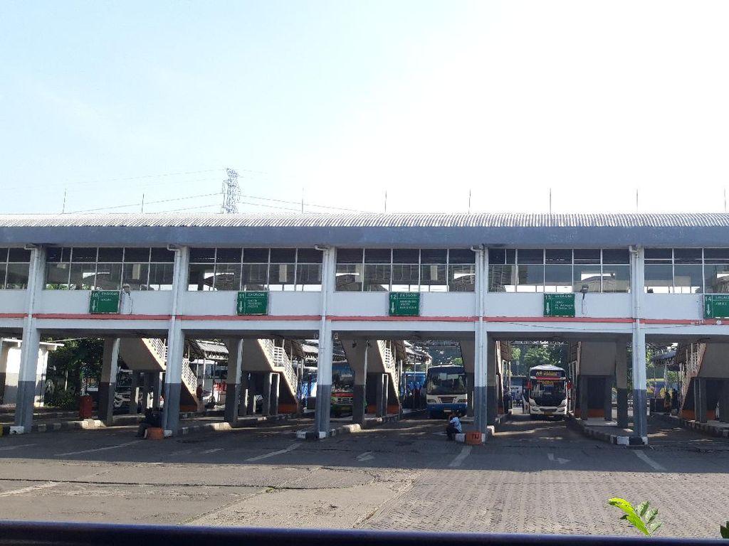 Terminal Purabaya Bungurasih Sepi, Belum Terlihat Rombongan Pemudik dari Jakarta