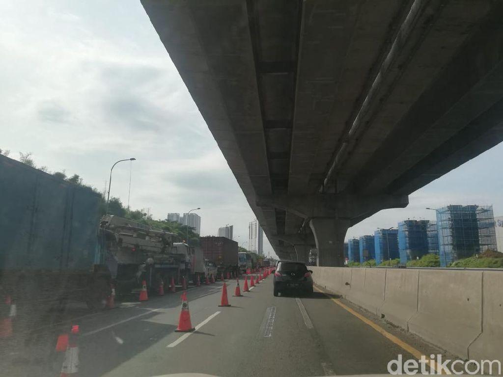 Melintas Tol Jakarta-Cikampek Hari Ini: Mau Pulkam Diusir di Cikarang Barat 4