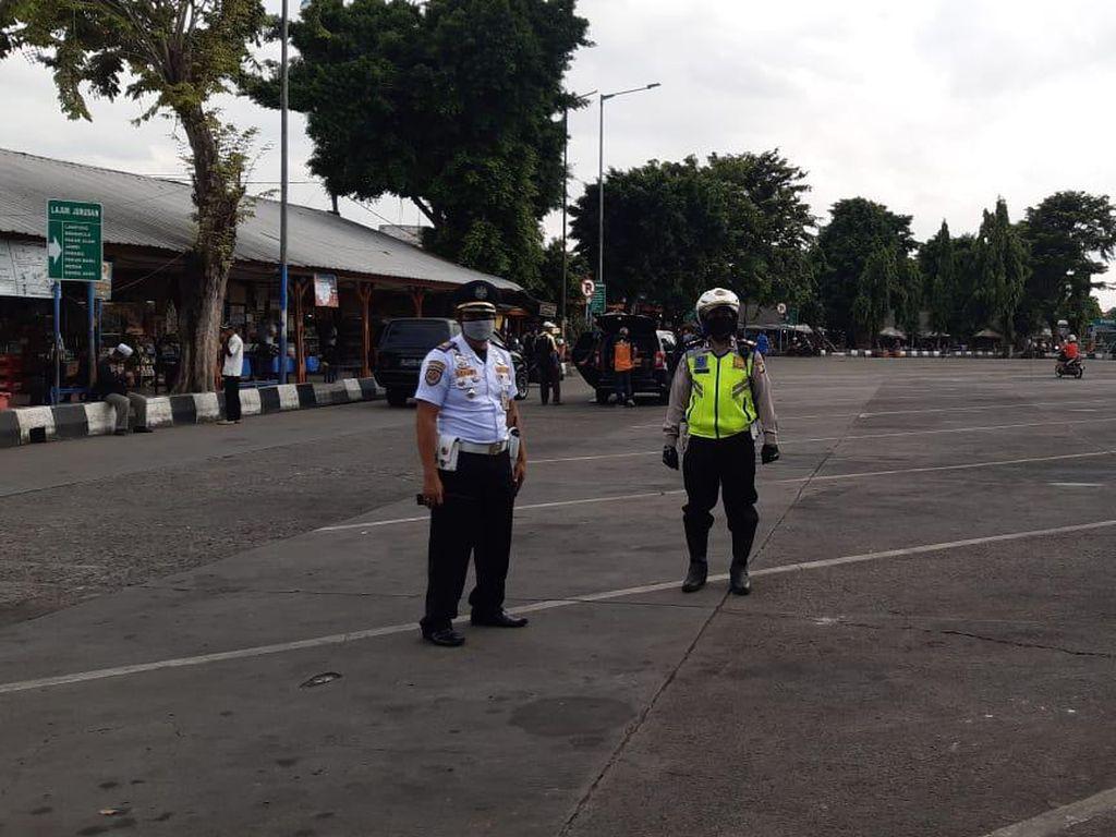 Polisi: Sudah Tak Ada Bus ke Luar Jakarta dari Terminal Kalideres Sejak Semalam