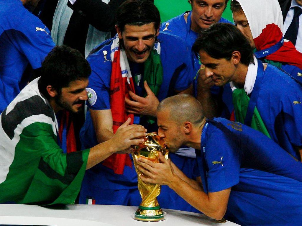 Skuad Italia Juara Dunia 2006 Donasi Empat Ambulans