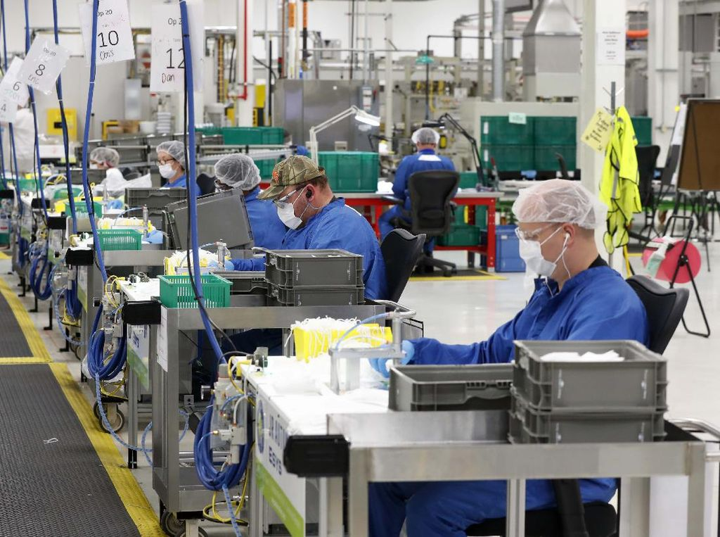 GM dan Ford Akhirnya Rampungkan Produksi 80.000 Ventilator