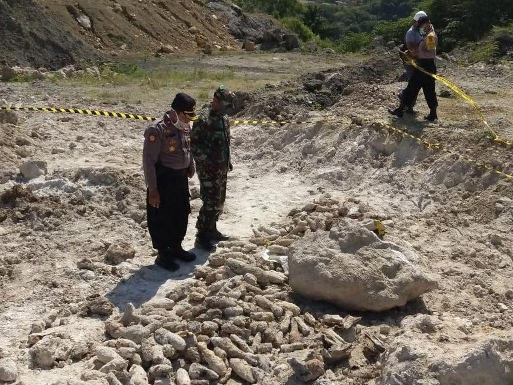 Jabar Hari Ini: Geger Piton Ngumpet di Pohon dan Penemuan Ratusan Mortir