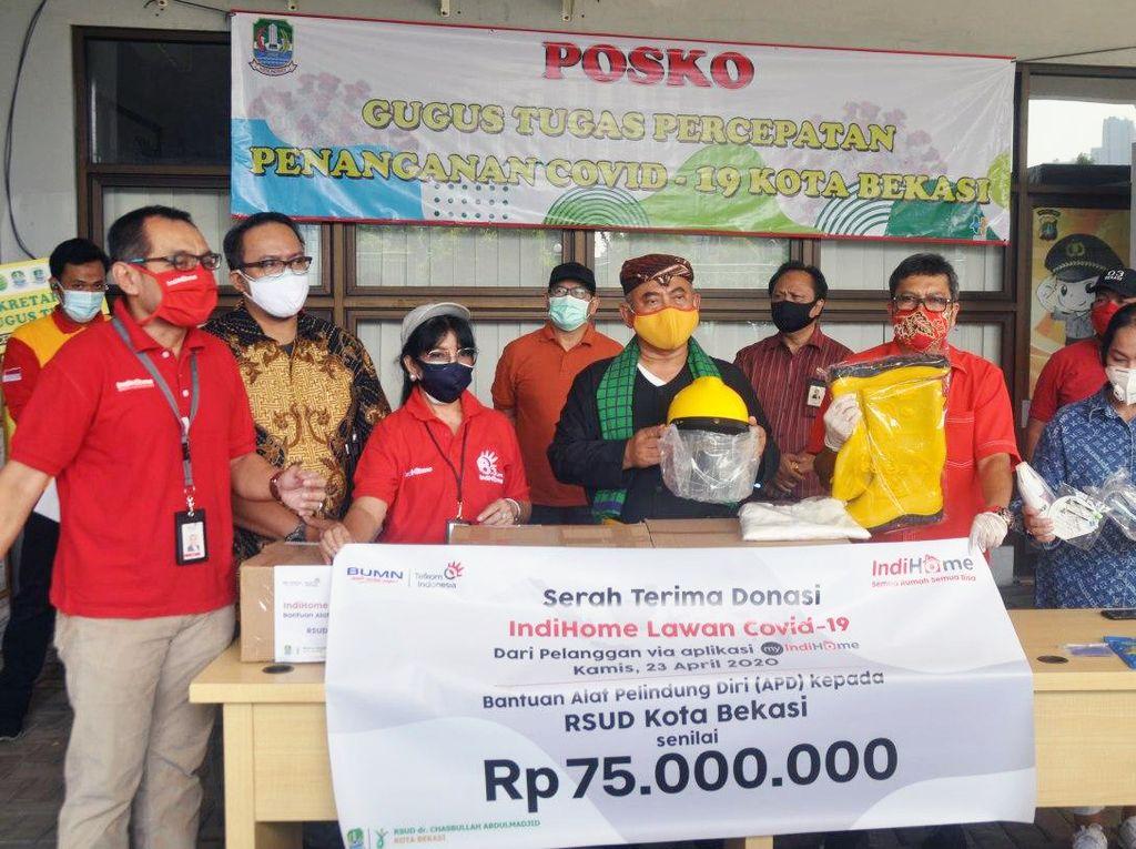 Pelanggan IndiHome Donasi APD Senilai Rp 75 Juta ke RSUD Kota Bekasi