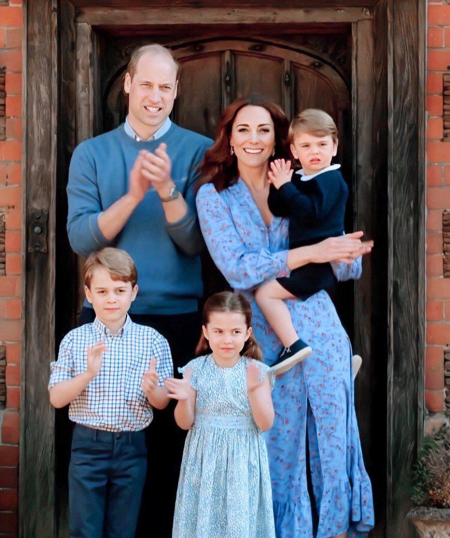 Sweter Anak Bungsu Kate Middleton Seharga Rp171 Ribu Curi
