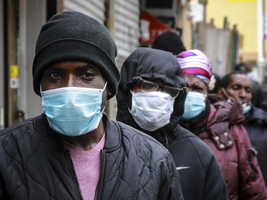 Direktur CDC Sebut Masker Bisa Lebih Efektif Cegah Corona daripada Vaksin
