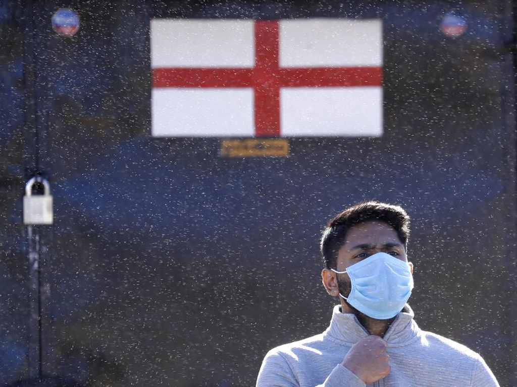 Angka Kematian Corona di Inggris Capai 32.000, Tertinggi ke-2 di Dunia