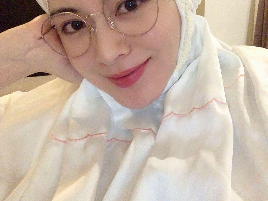 Populer di Indonesia, Hijabers Korea Ayana Moon Ungkap Kisahnya Jadi Mualaf