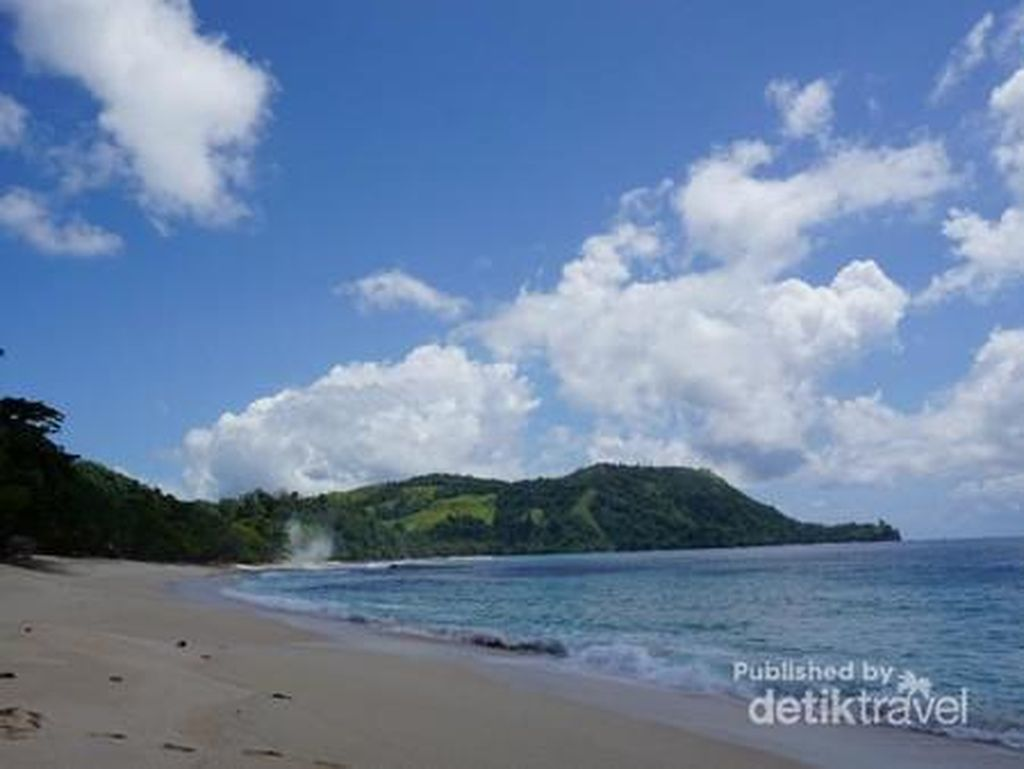 Butuh Vitamin Sea? Yuk, Intip Cantiknya Pantai Indonesia