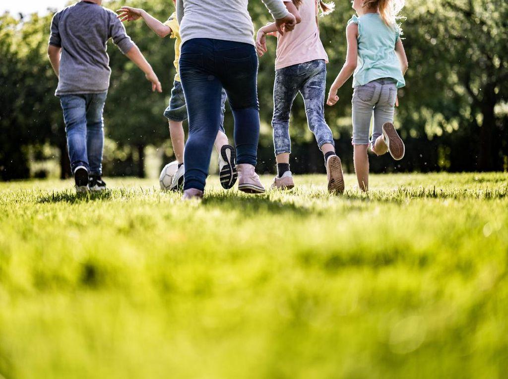 Orang Tua Wajib Tahu Cara Hadapi Sindrom Anak Tengah Atau Middle Child Syndrome