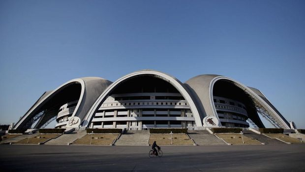 PYONGYANG, NORTH KOREA - APRIL 02:  The May Day stadium, the biggest stadium in the world accomodating 150,000 seated visitors, is seen on April 2, 2011 in Pyongyang, North Korea. Pyongyang is the capital city of North Korea and the population is about 2,500,000.  (Photo by Feng Li/Getty Images)