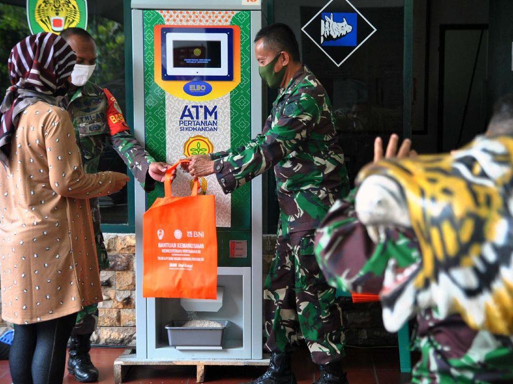 Asyik! Ada ATM Beras Gratis di Bogor