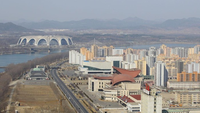 PYONGYANG, NORTH KOREA - APRIL 03:  The May Day stadium, the biggest stadium in the world accomodating 150,000 seated visitors, is seen on April 3, 2011 in Pyongyang, North Korea. Pyongyang is the capital city of North Korea and the population is about 2,500,000.  (Photo by Feng Li/Getty Images)
