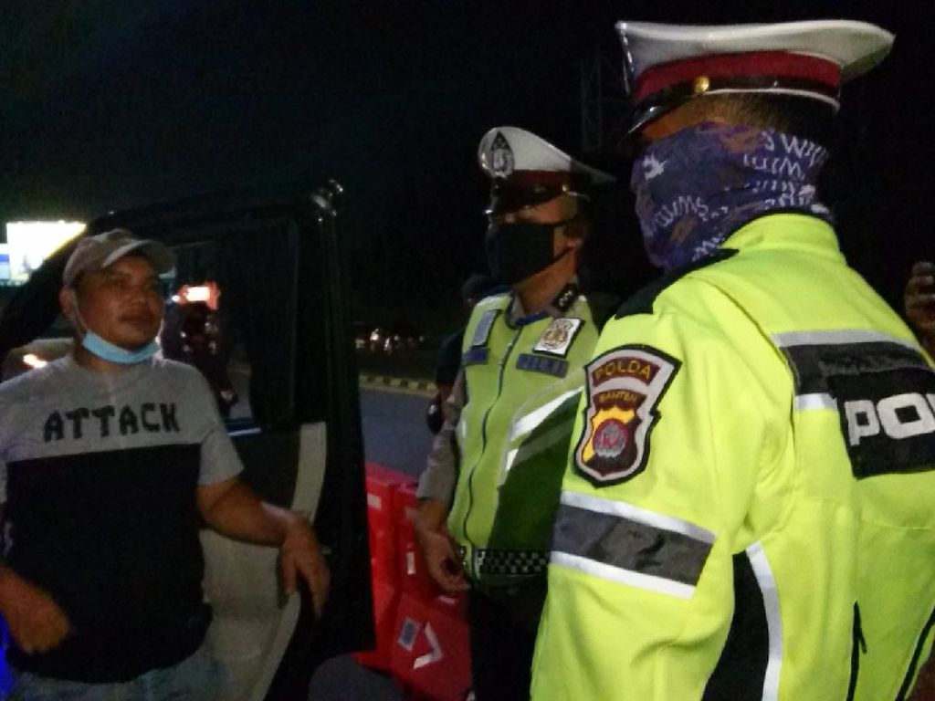 Ketahuan di Merak, Pemudik Diminta Balik ke Jakarta