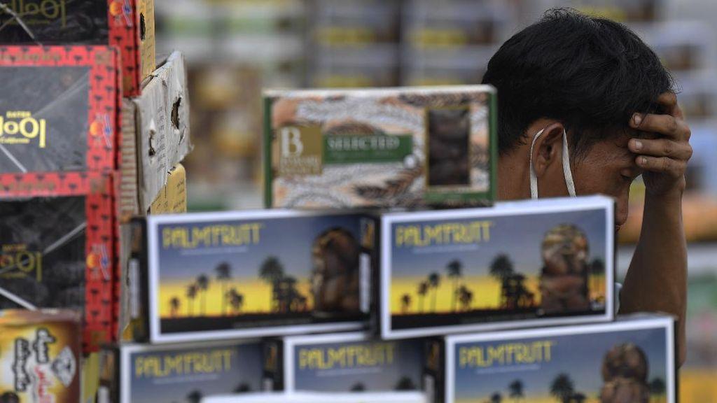 Penjualan Kurma di Tanah Abang Lesu Terdampak Corona