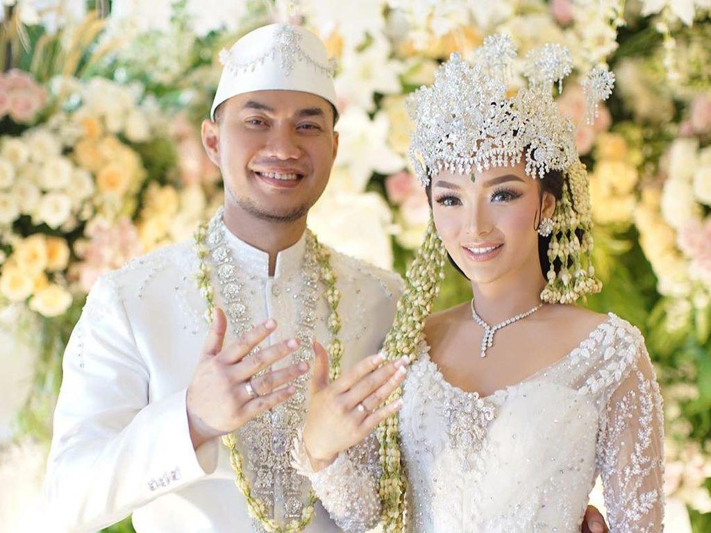 Zaskia Gotik Bayar Lunas Baju Pengantin Ratusan Juta ke Ivan Gunawan