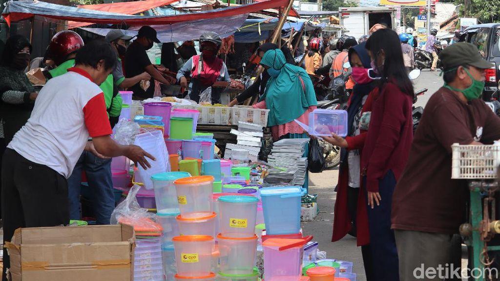 Begini Suasana Pasar di Bandung yang Ramai Didatangi Warga