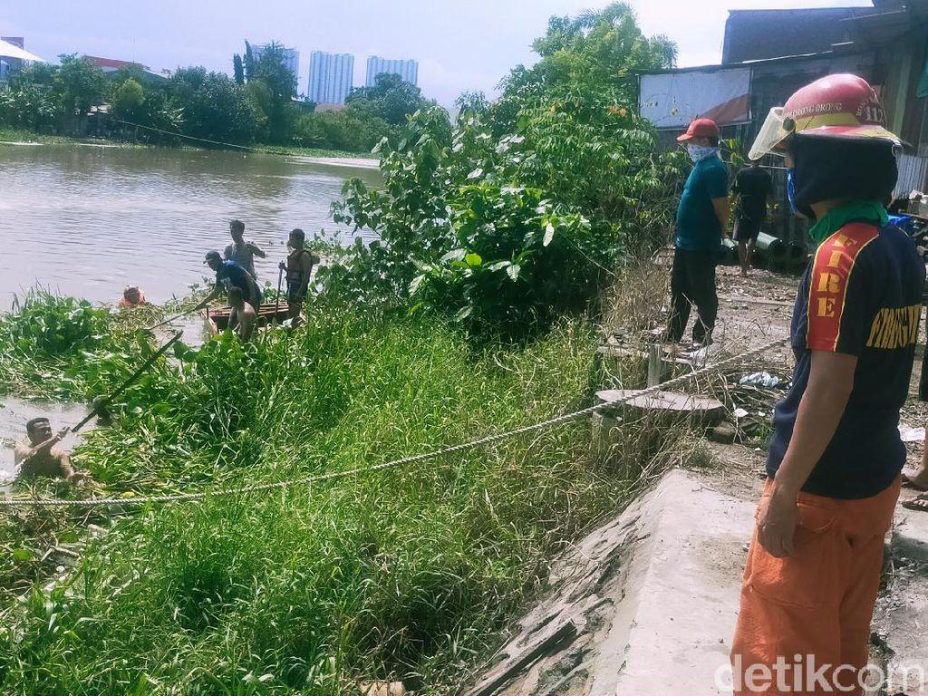 Bocah 10 Tahun Hilang Tenggelam di Sungai Brantas Saat Berenang