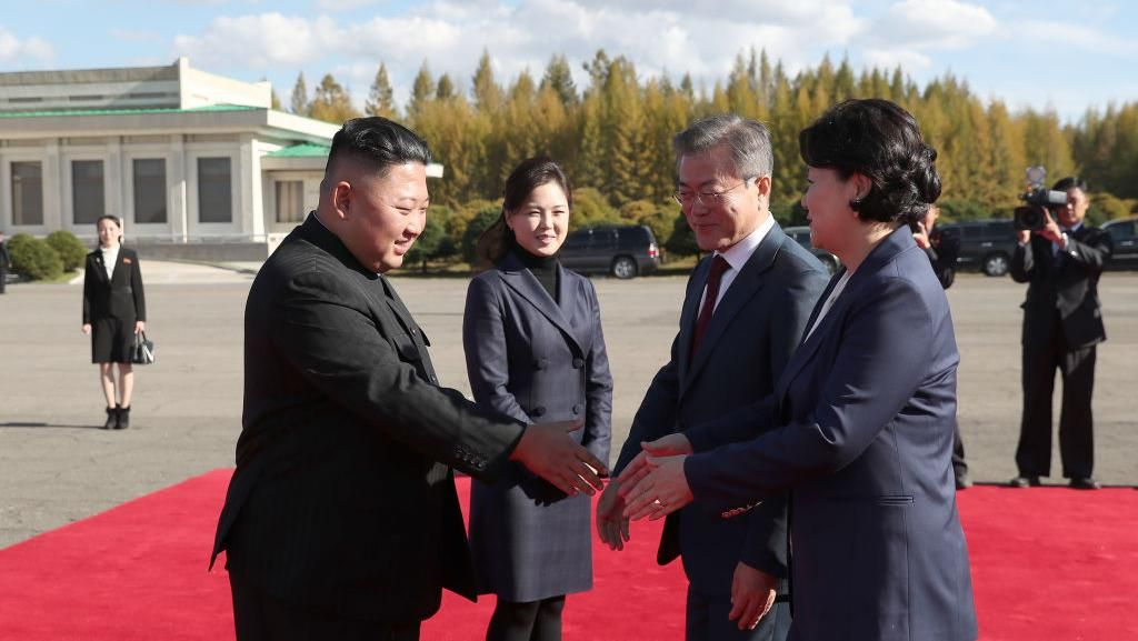 Potret Gaya Istri Kim Jong Un, Dulu Kuno Sekarang Kekinian
