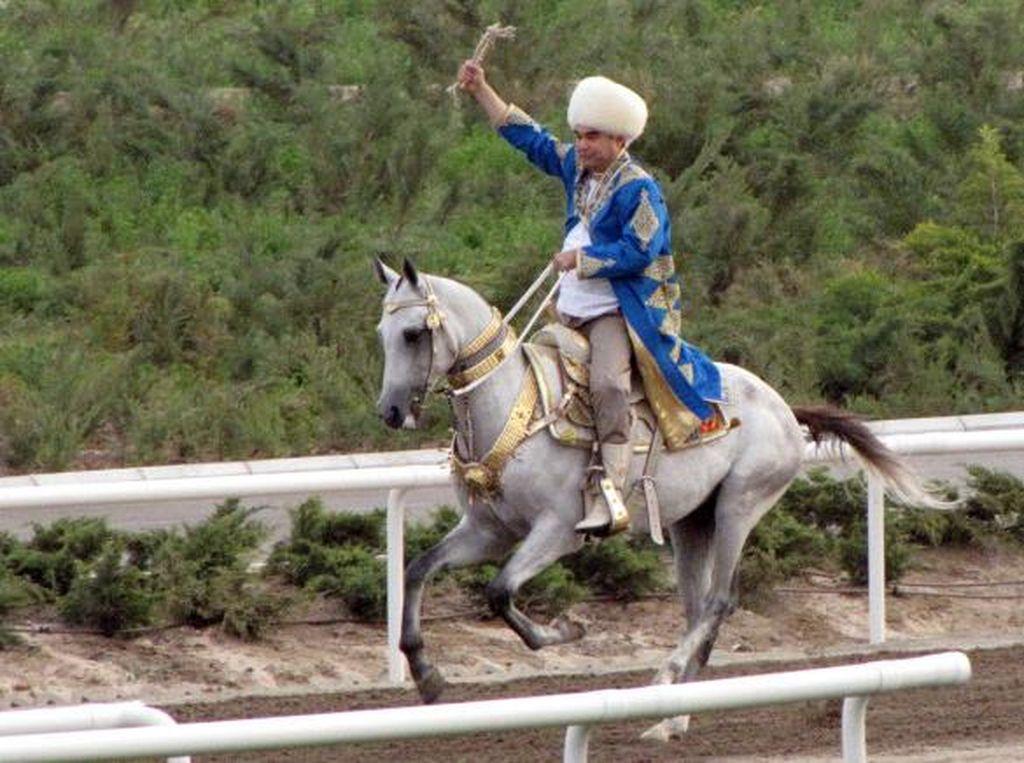 Tak Peduli Corona, Turkmenistan Rayakan Hari Kuda Nasional