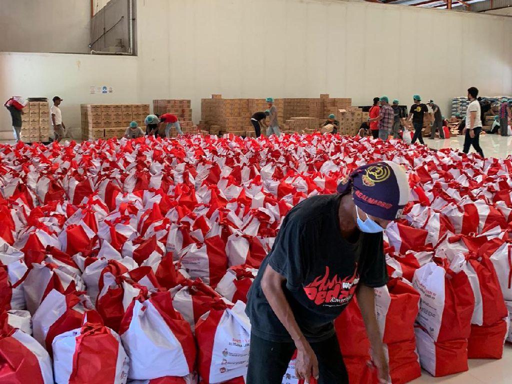 Pertani Ikut Salurkan Bansos di Jabodetabek