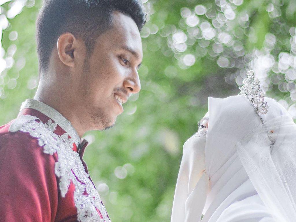 Dijodohkan Orang Tua, Kisah Cinta Pasangan yang Berakhir di Pelaminan Viral