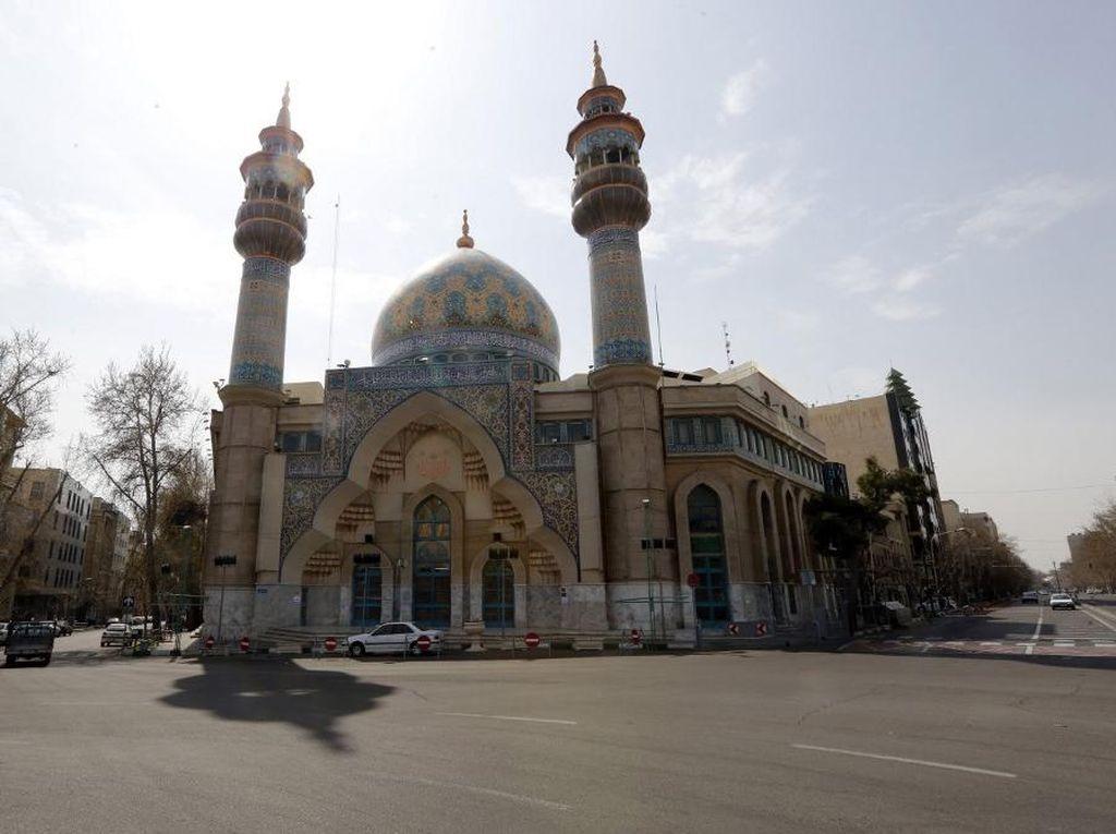 Iran Berencana Buka Masjid dan Sekolah