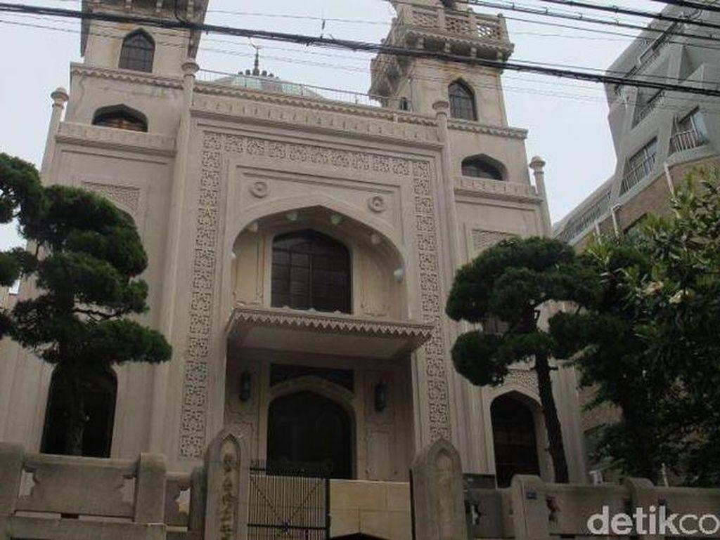 Masjid Kobe yang Selamat dari Gempa dan Serangan Bom Perang Dunia II