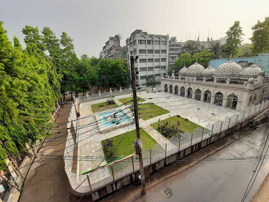 Masjid Bintang Bangladesh Ini Terbuat dari Bahan Daur Ulang