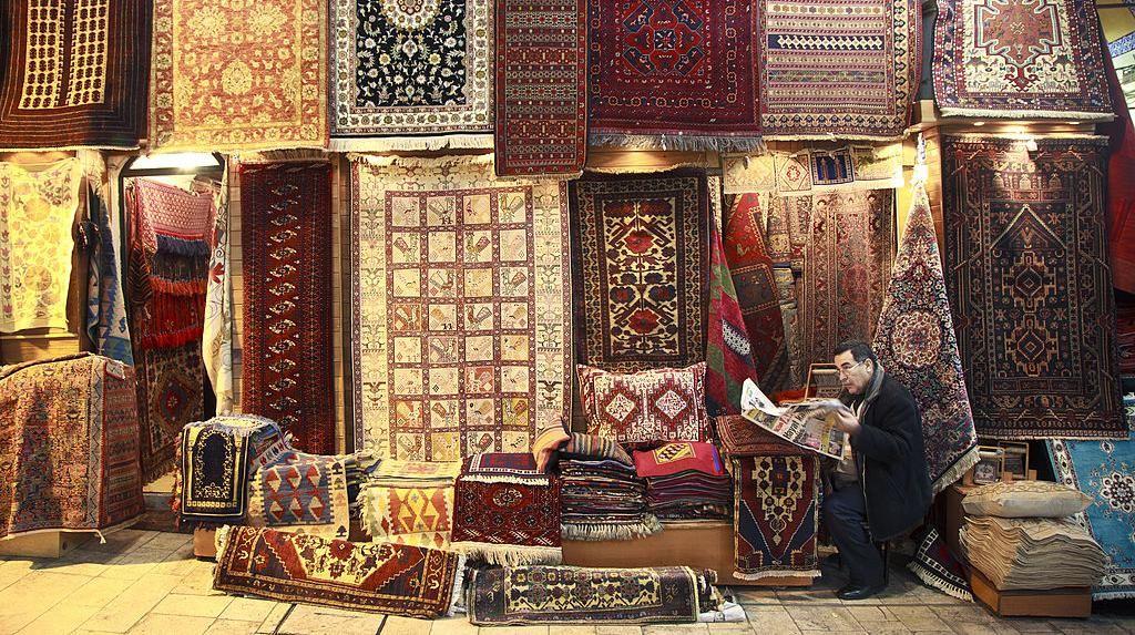 Menelusuri Jejak-jejak Kejayaan Islam di Benua Biru