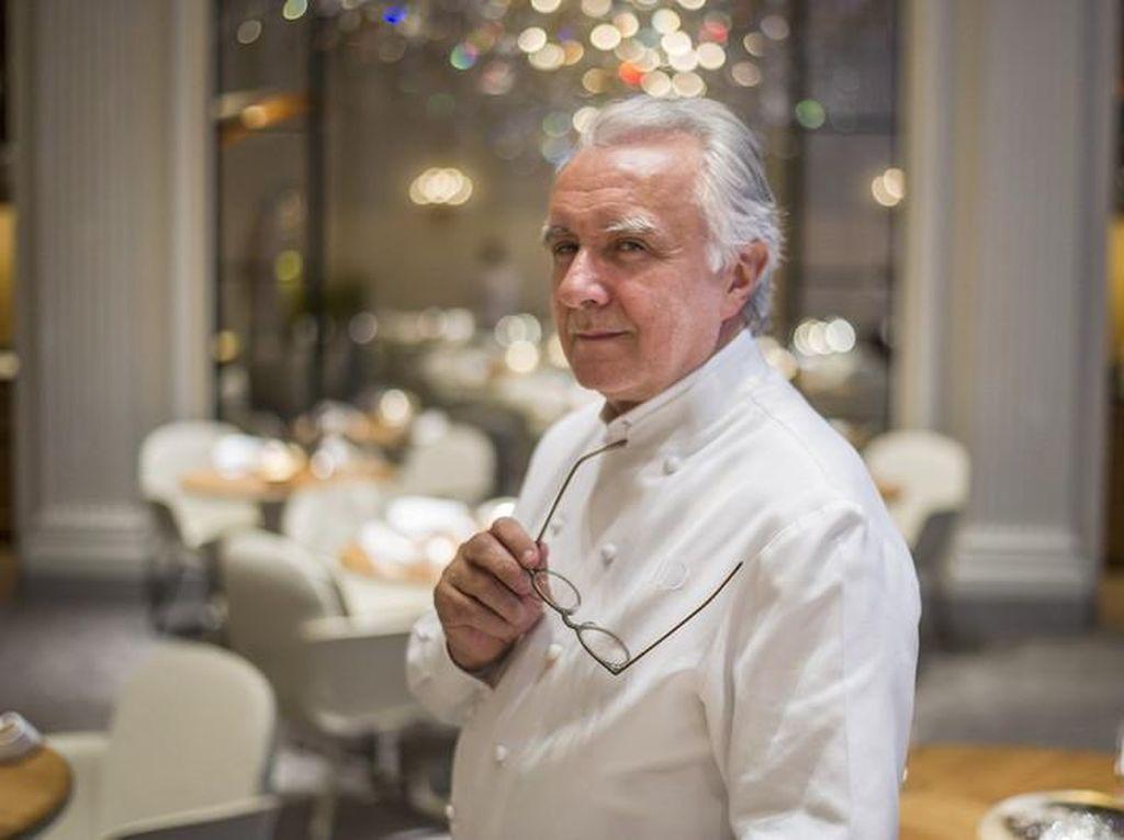 Chef  Alain Ducasse Klaim Lebih Aman Makan di Resto saat Pandemi Corona