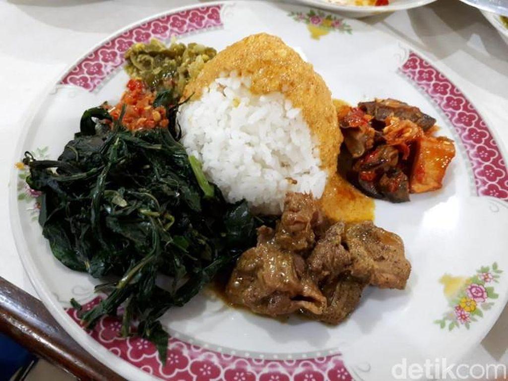 Malas Masak? Menu Sahur dan Buka Bisa Dipesan dari Tempat Makan 24 Jam Ini