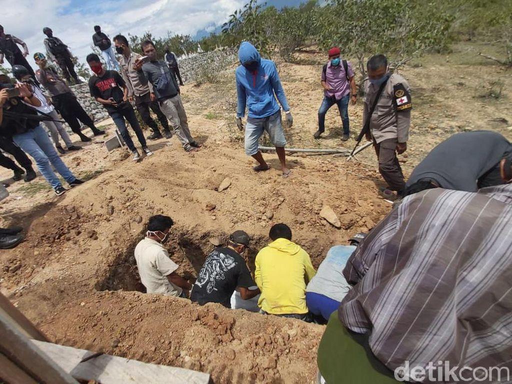 Jenazah Sipil Bersenjata di Poso Dimakamkan di TPU Poboya Palu